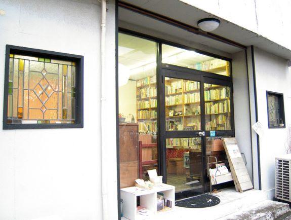 画像:ブックギャラリーポポタムはセンスの良い本と雑貨のセレクトショップ